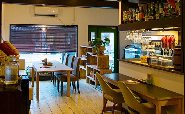 古河市のイタリアンマタタビ食堂の店内